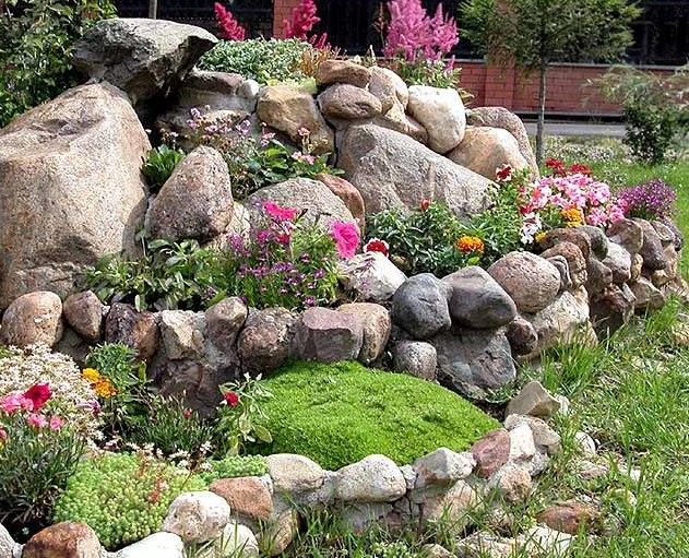 Дизайн камней на даче